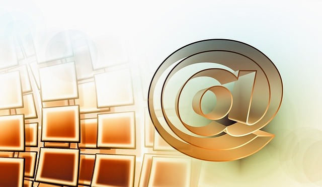 Spedisci il tuo corto via email / Send your video by email